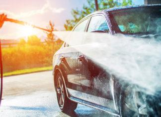 Jak i czym myć samochód?